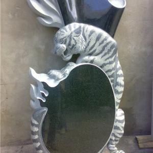 Эффектный памятник с тигром - Камень памяти - Примеры других исполнителей