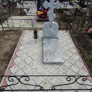Укладка фигурной тротуарной плитки разных цветов - Камень памяти - Примеры других исполнителей