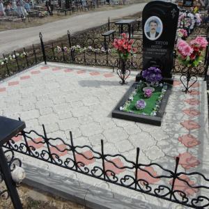 Кованая ограда из блочных элементов - Камень памяти - Примеры других исполнителей