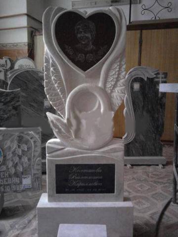 Мраморный памятник с лебедем - Камень памяти - Примеры других исполнителей