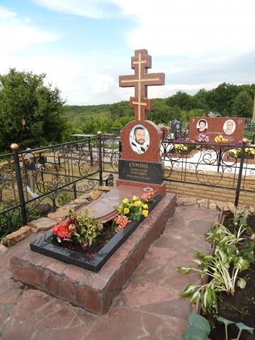 Гранитный крест - Камень памяти - Наша работа
