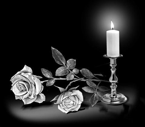 Свеча на гранитном памятнике - Камень памяти - Наша работа